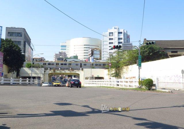 180113-台南 後火車站 成功大學IMG_0915-小貓巴克里.地下道.複製